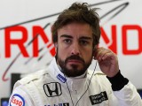 Alonso takes pole in Britain