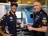 Ricciardo experiences life as a Mobil 1 engineer in Abu Dhabi
