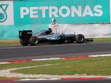 Mercedes still searching for engine break cause