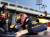 """Verstappen """"Let Down Once Again"""" With Baku DNF"""