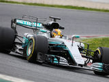 Hamilton praises the work of his team