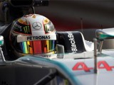 Hamilton fends off Rosberg challenge to win at Bahrain
