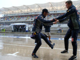 Washout sees qualifying postponed until Sunday