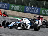 Williams narrowly misses points, but back in the mix