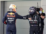 "Hamilton ""absolutely"" keeping an eye on F1 ""title runner"" Red Bull"