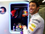 Ricciardo plays down Ferrari talk