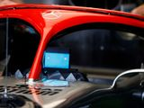 Mercedes go red in Lauda tribute