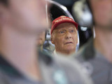 Lauda returns to hospital