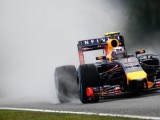 Ricciardo relying on rain to beat Mercedes