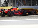 Red Bull admits 'foot oscillation' caused Verstappen Bahrain crash