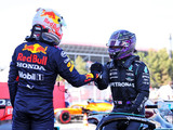 Hamilton paired with Max at France press conference