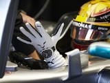 Formula 1 plans biometric gloves for crash data in 2018