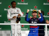 "Mercedes' Hamilton can learn from ""gloves off"" Formula 1 style in Brazil"