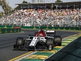 Australian GP: Tear-off in brake duct forced early Raikkonen stop