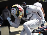 Best weekend of the year puts Hamilton on cusp of title lead