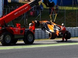 Alonso 'not being funny' with mid-practice tennis stunt