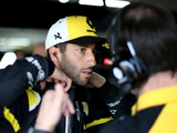 Ricciardo: Red Bull behave like winners, Renault don't