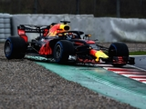 Ricciardo spins, Alonso sets only timed laps
