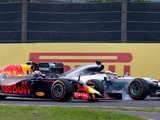 FIA clamps down on moving under braking in F1