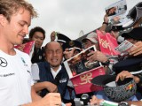 Mercedes 'managing' driver rivalry