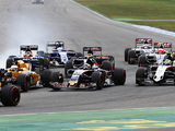 People underestimate how hard racing in the midfield can be - Carlos Sainz