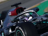 Hamilton's steering wheel is attracting attention