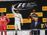Ricciardo: Hamilton kept cooler head than Vettel in F1 2017 fight