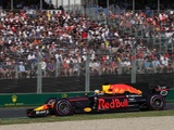 Ricciardo halted by separate issues before and during Australian GP