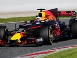 Ricciardo says Red Bull 'starting to evolve'