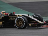 Maldonado puts Lotus back on top on Saturday