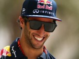 Ricciardo not ready to commit to new Red Bull deal