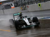 Mercedes not taking risks despite enemy coming alive