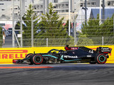 Hamilton survives Q2 scare to take Sochi pole