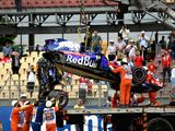 25G crash for Hartley, Honda assessing PU