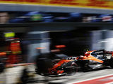 More gearbox and engine issues hamper McLaren