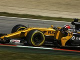 Renault F1 team confused by 'strange' pace swing in Spanish GP