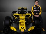 Sainz hungry for success in final Renault race