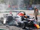Hill accuses Verstappen of intentionally taking Hamilton out