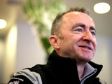 Mercedes confirms Paddy Lowe exit