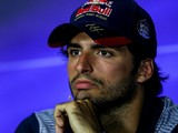 Carlos Sainz Jr calls for 'focus' amid F1 engine swap saga