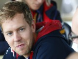 Vettel says McLaren offer not his main priority