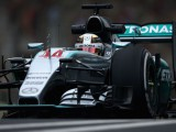 Mercedes evaluating 2016 developments to hold off 'clever' Ferrari