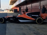 Alonso gives McLaren MCL32 track debut