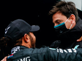 Mercedes set pre-season testing deadline for conclusion of new Hamilton deal