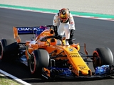 Renault ease concerns about faulty batteries