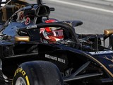 Kevin Magnussen explains Haas F1 car headrest problem in test