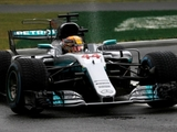 Hamilton takes record 69th pole at Monza