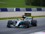 Hamilton suffers brake disc failure in final Austria practice