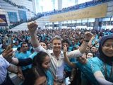 World Championship celebrations for Rosberg in Malaysia