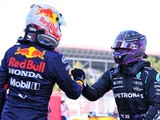 Verstappen 'has nothing to prove' in Hamilton title fight